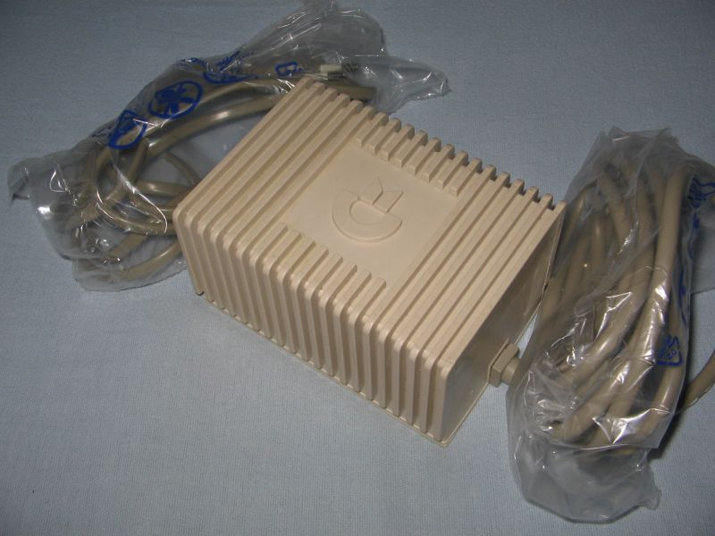 C64-Netzteil-Block.jpg